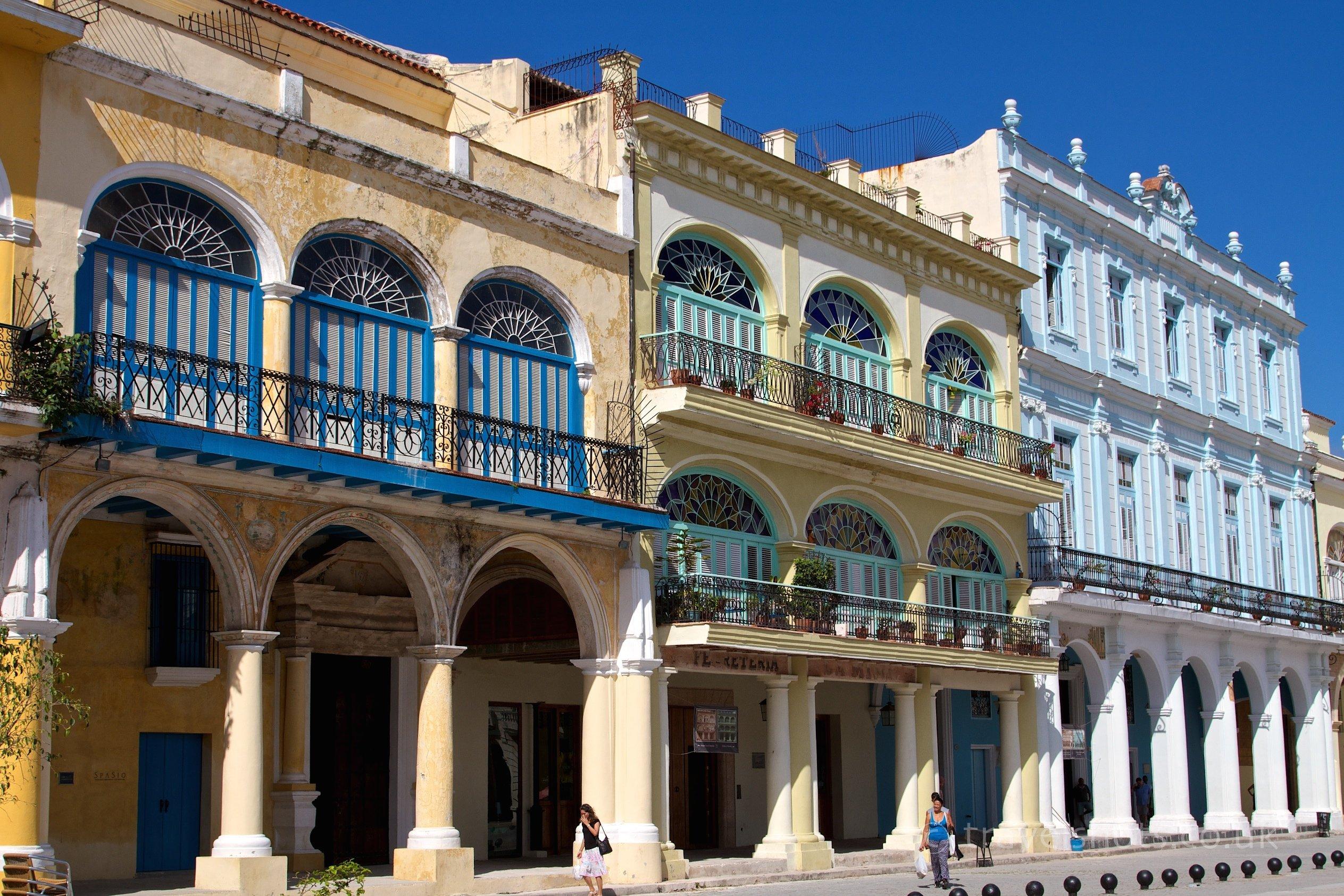 Plaza-Vieja-Old-Havana-Cuba-8