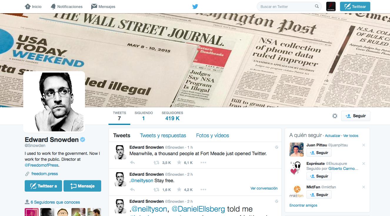 Edward Snowden abre cuenta en Twitter y su primer twit el 29 de septiembre a las 11am fue: Me escuchan ahora?