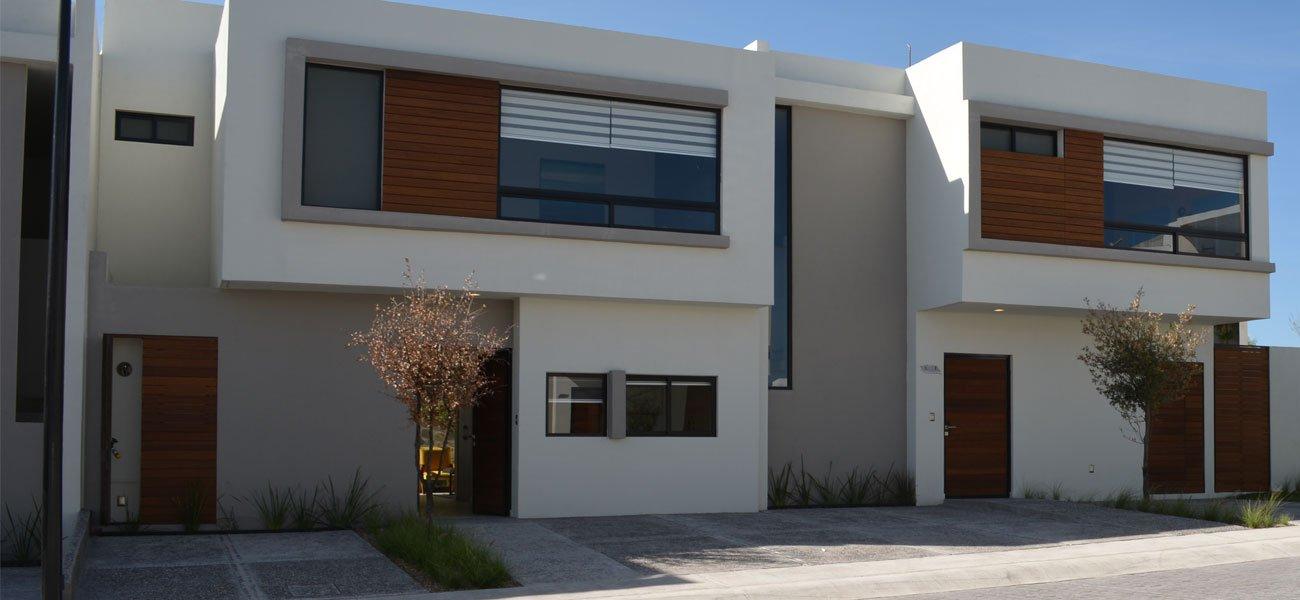 Fachada de casas turmalina residencial queretaro living for Casas modernas juriquilla queretaro